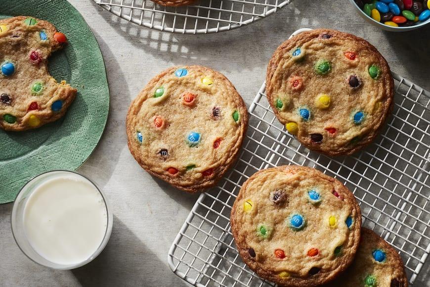 Giant M&M Cookies from www.whatsgabycooking.com (@whatsgabycookin)