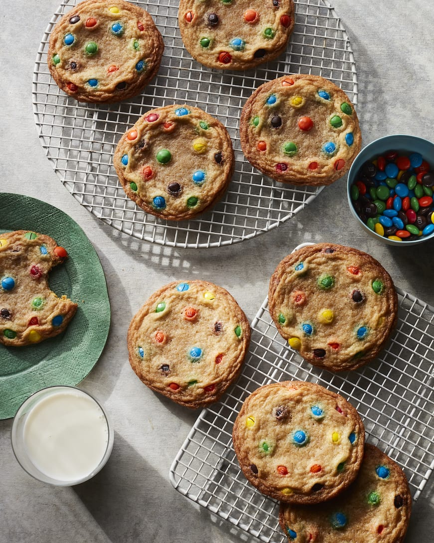 Giant M&M Cookies from www.whatsgabycooking.com (@whatsgabycookin)