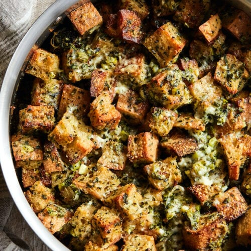 Rustin Herb Stuffing from www.whatsgabycooking.com (@whatsgabycookin)