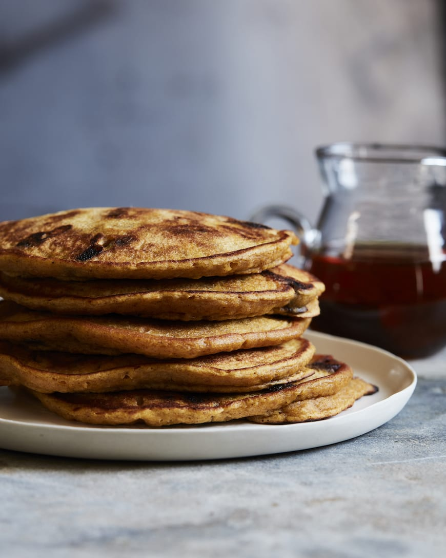 Pumpkin Pie Chocolate Chip Pancakes from www.whatsgabycooking.com (@whatsgabycookin)