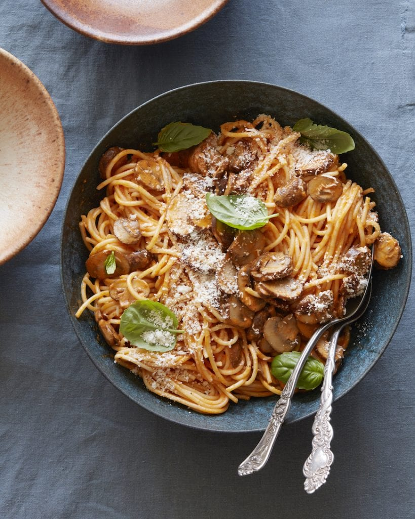 Red Pepper Pasta with Mushrooms from www.whatsgabycooking.com (@whatsgabycookin)