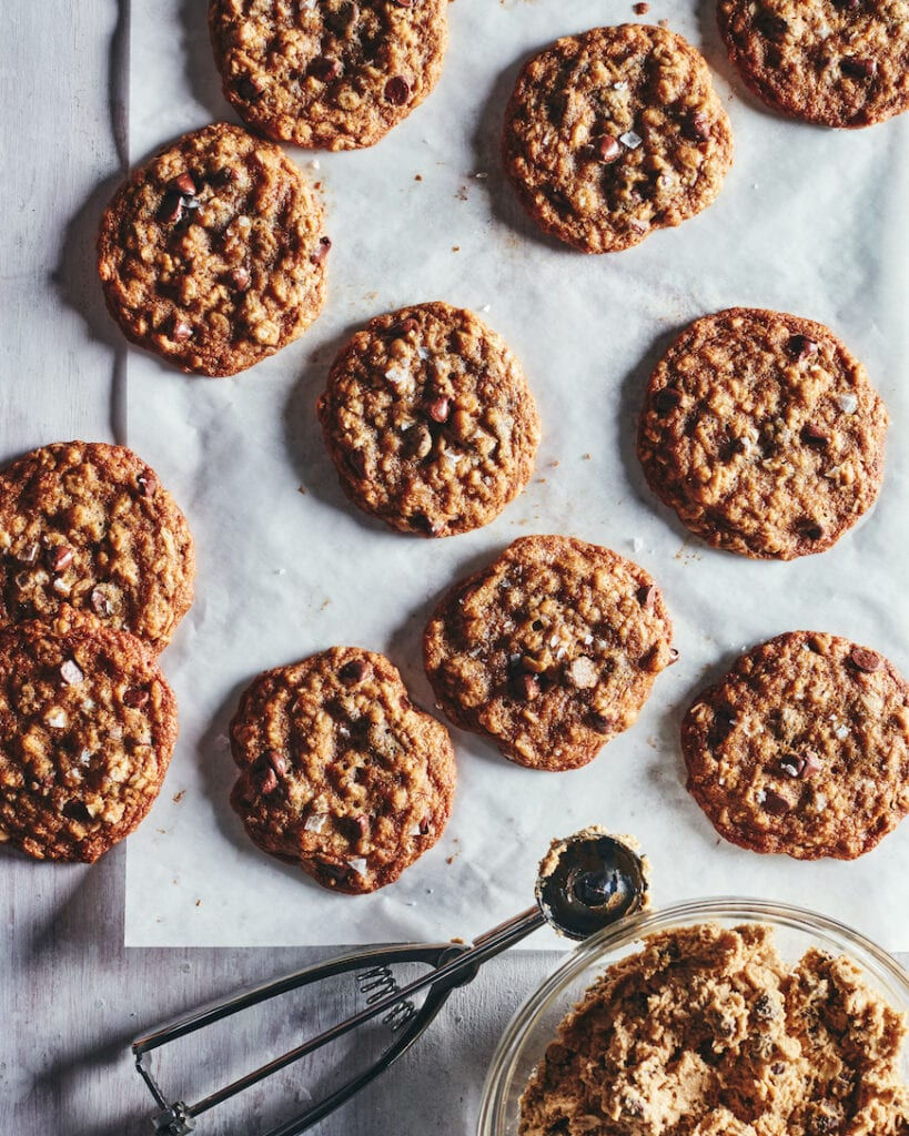 Oatmeal Chocolate Chip Cookies from www.whatsgabycooking.com (@whatsgabycookin)