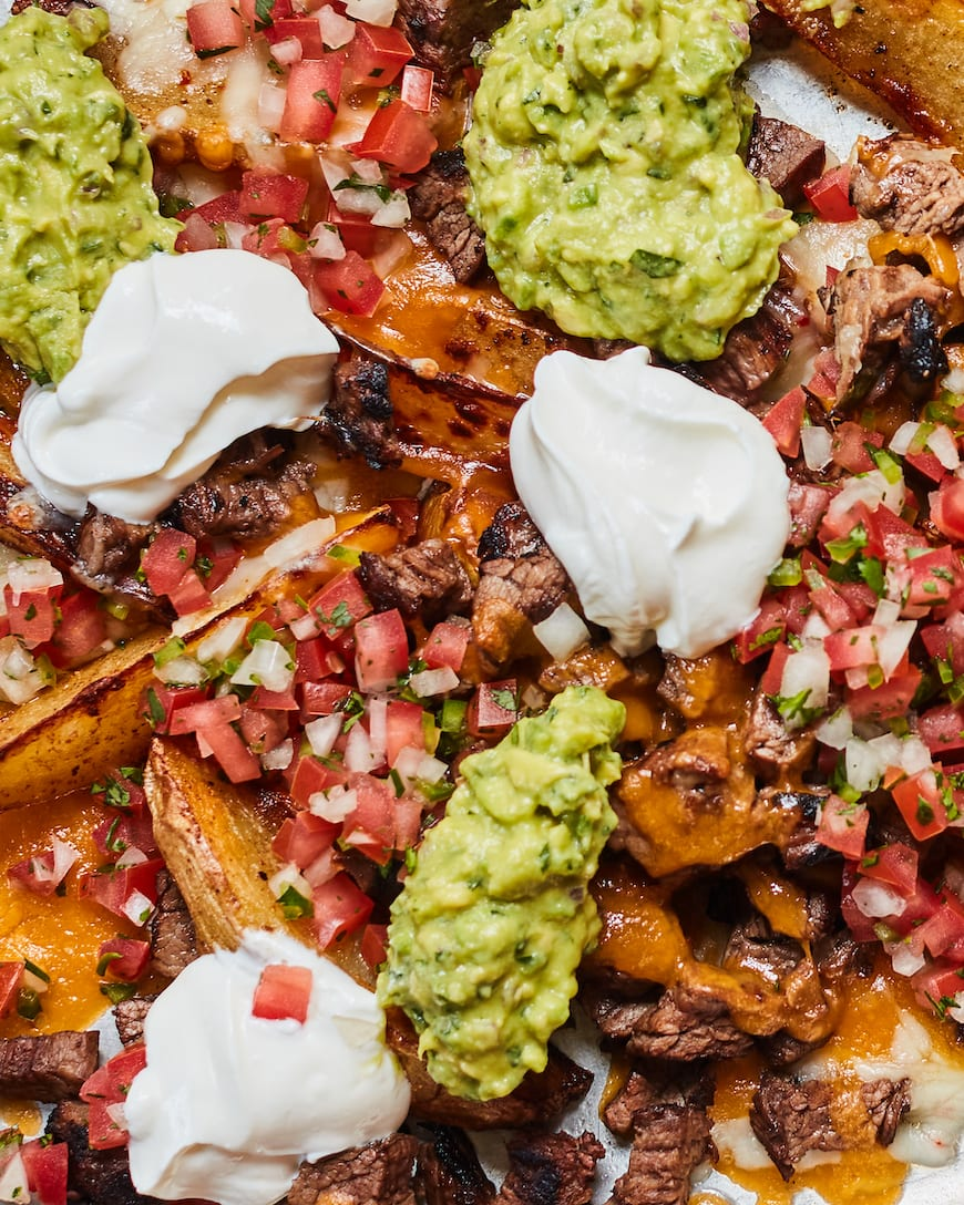 Carne Asada Party Fries from www.whatsgabycooking.com (@whatsgabycookin)