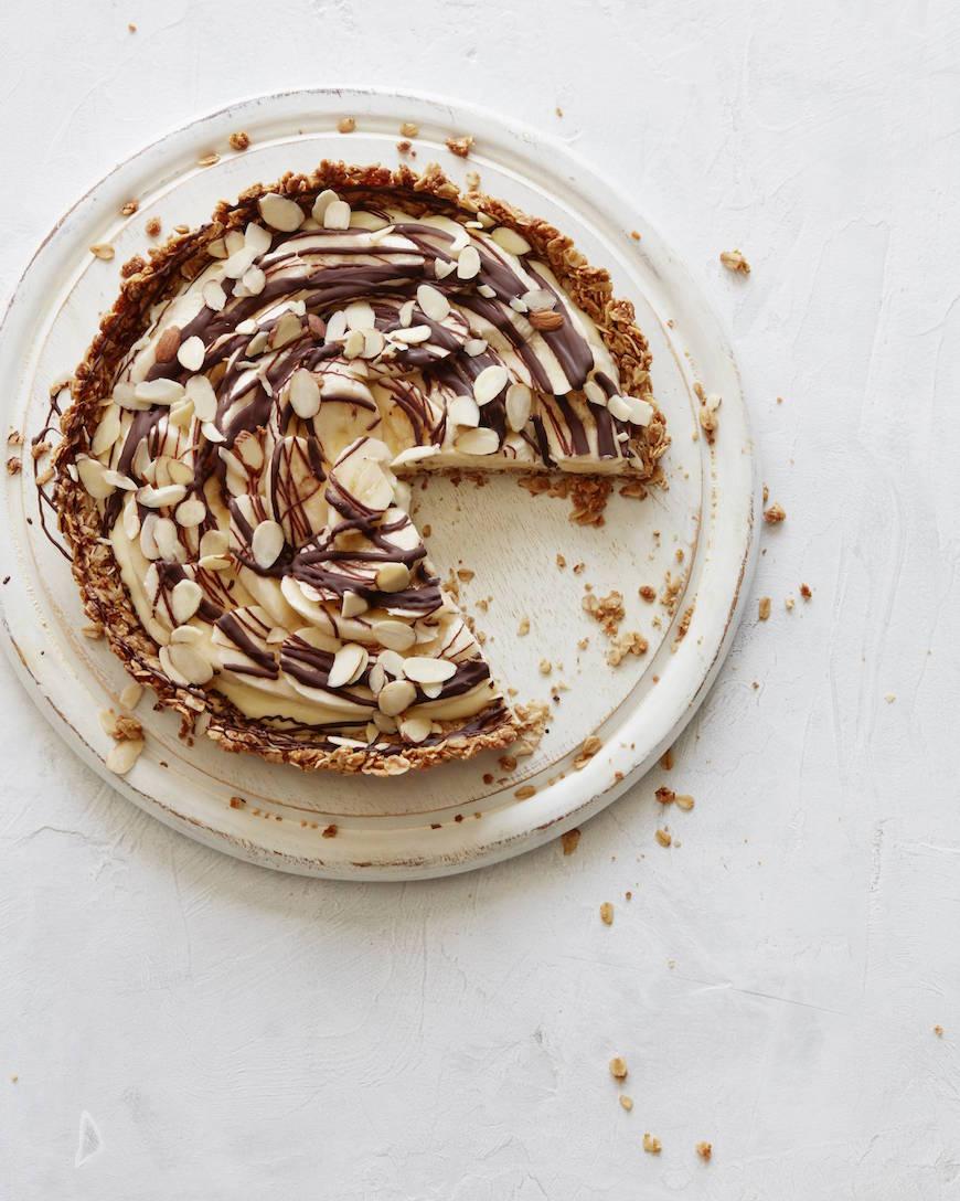 Banana Cream Tart with Chocolate from www.whatsgabycooking.com (@whatsgabycookin)