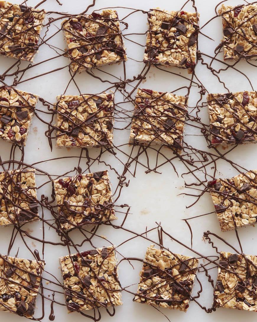 Cherry Dark Chocolate Granola Bars from www.whatsgabycooking.com (@whatsgabycookin)