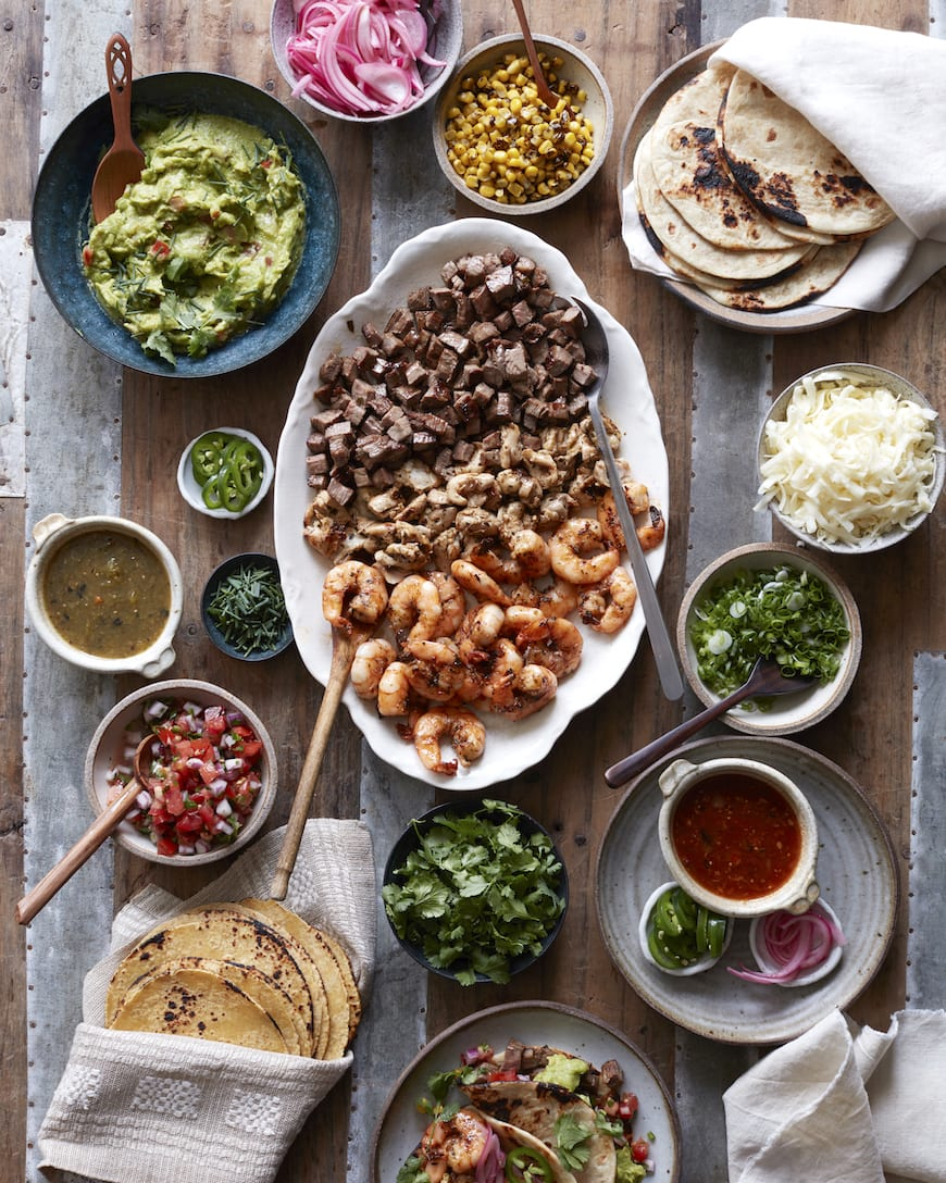 Family Style Taco Bar from www.whatsgabycooking.com (@whatsgabycookin)