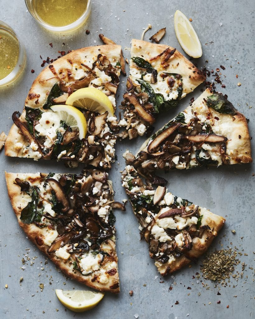 Garlic Mushroom & Spinach Pizza from www.whatsgabycooking.com (@Whatsgabycookin)