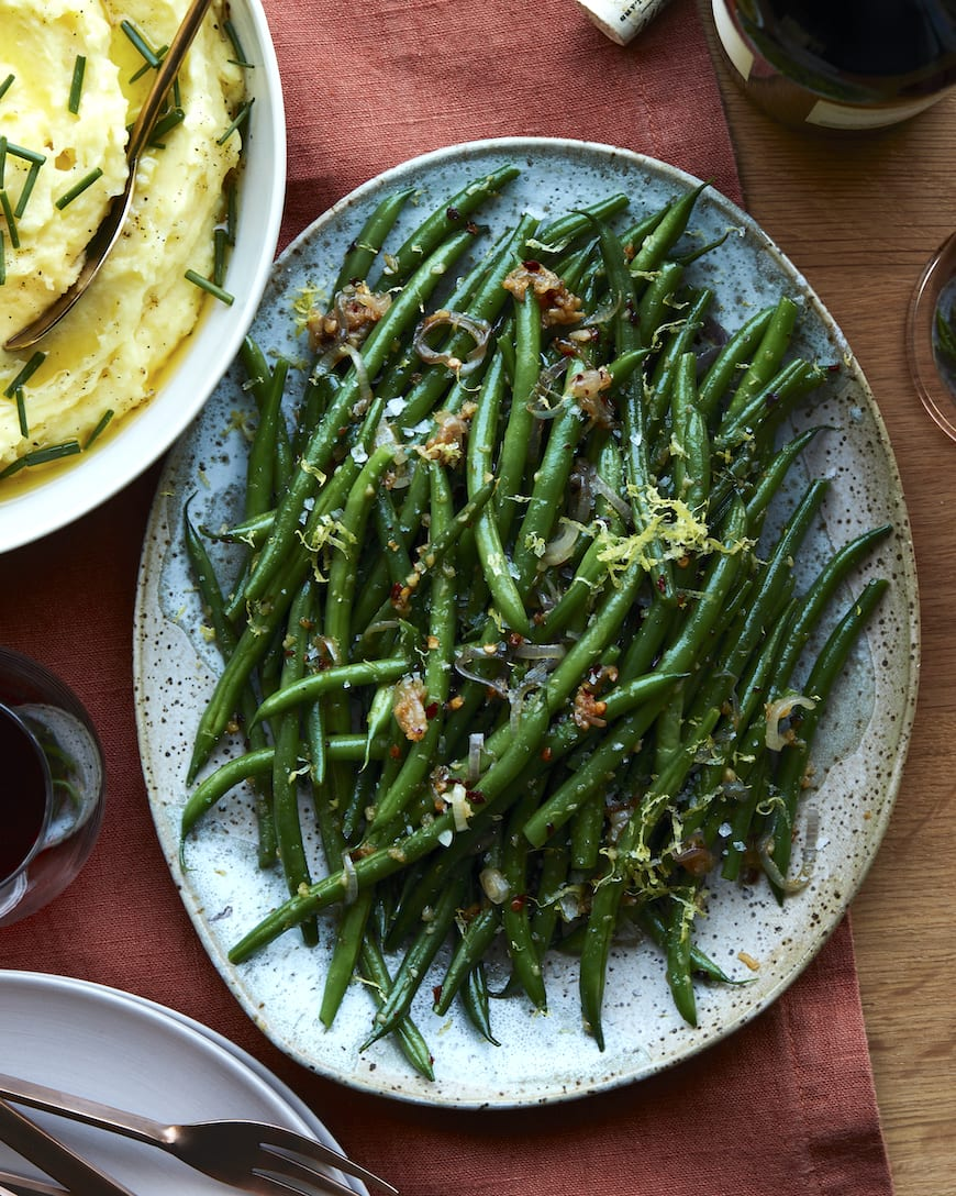 Spicy Garlic Green Beans from www.whatsgabycooking.com (@whatsgabycookin)
