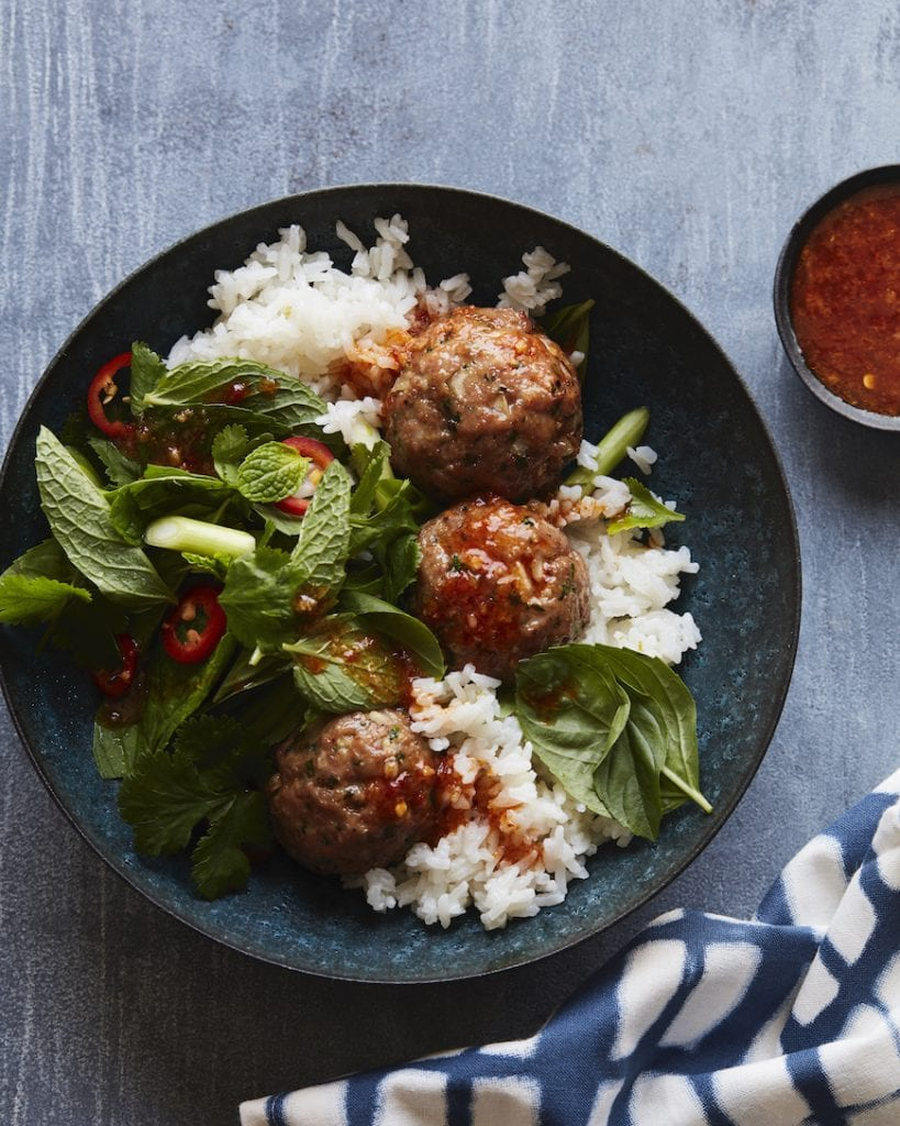 Asian Pork Meatball Bowls from www.whatsgabycooking.com (@whatsgabycookin)
