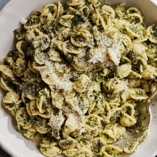 Lemon Kale Pesto Pasta from www.whatsgabycooking.com (@whatsgabycookin)