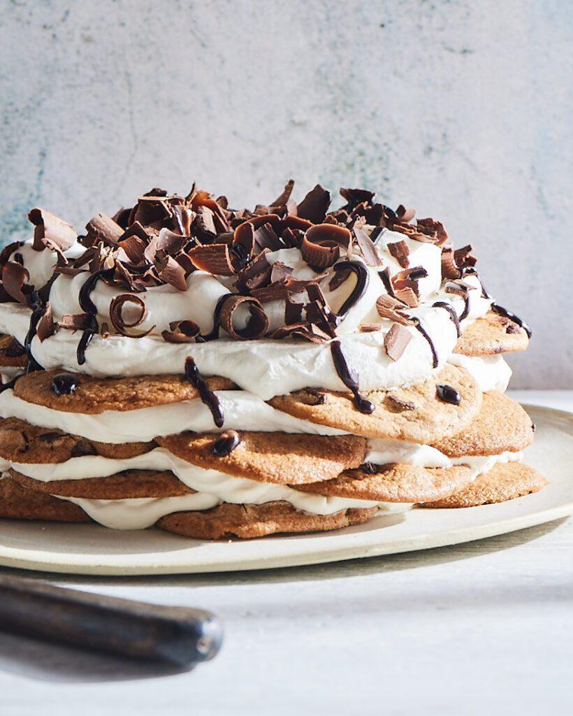 Cookie Icebox Cake from www.whatsgabycooking.com (@whatsgabycookin)