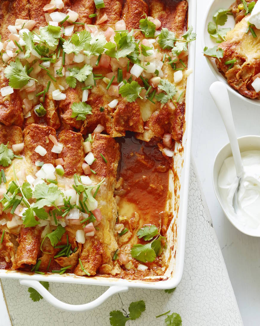Chicken Enchiladas! 1 of 10 easy weeknight / back to school meals from www.whatsgabycooking.com (@whatsgabycookin)