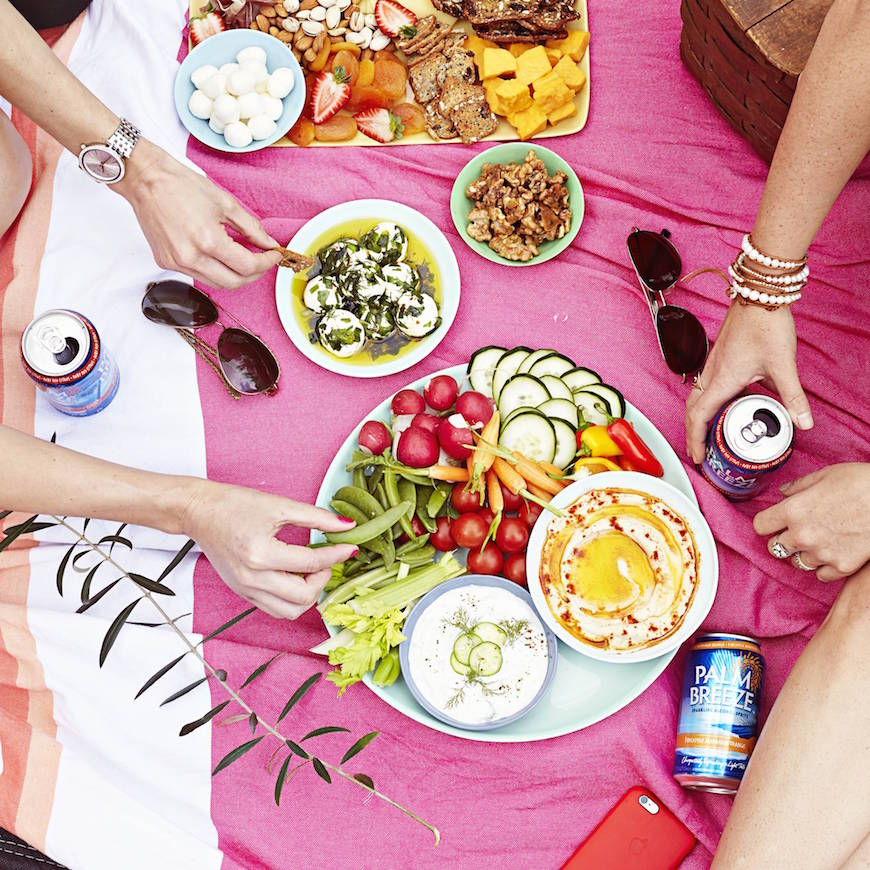 Picnic-ing 101 - how to host an awesome summer picnic from www.whatsgabycooking.com (@whatsgabycookin)