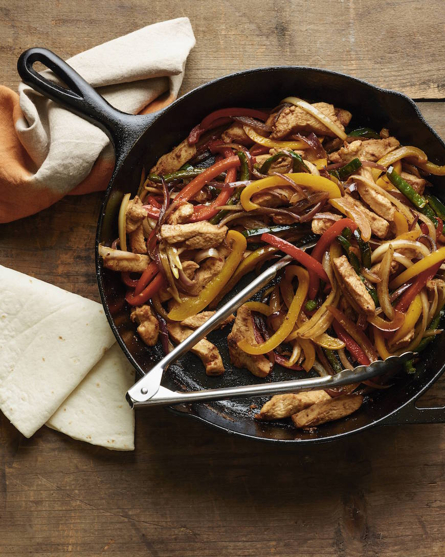 Chicken Fajitas! 1 of 10 easy weeknight / back to school meals from www.whatsgabycooking.com (@whatsgabycookin)